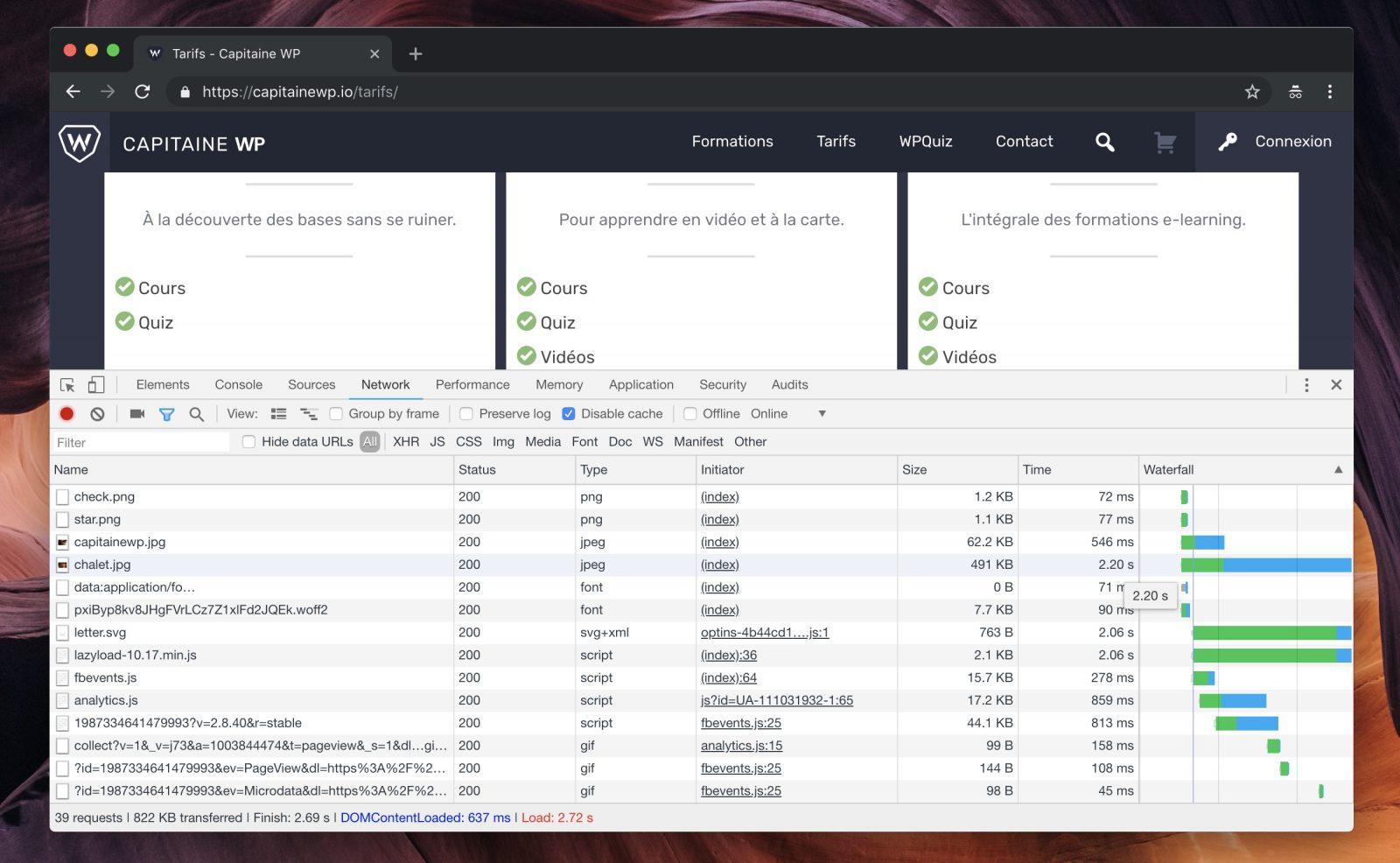 La console du navigateur propose un outil Network, qui calcule le temps de chargement de la page
